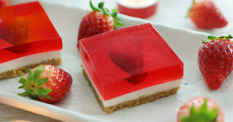 Strawberry Jelly Hearts Cheesecake